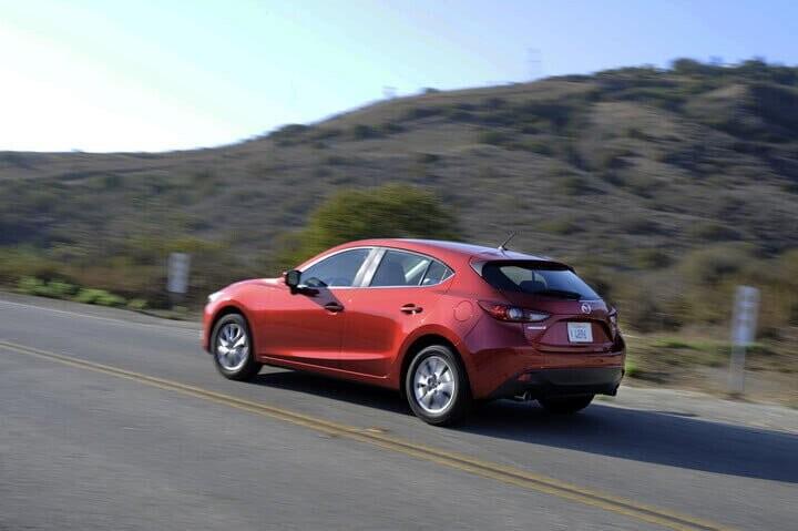 10 mẫu ôtô phù hợp cho người mới tập lái - Hình 4