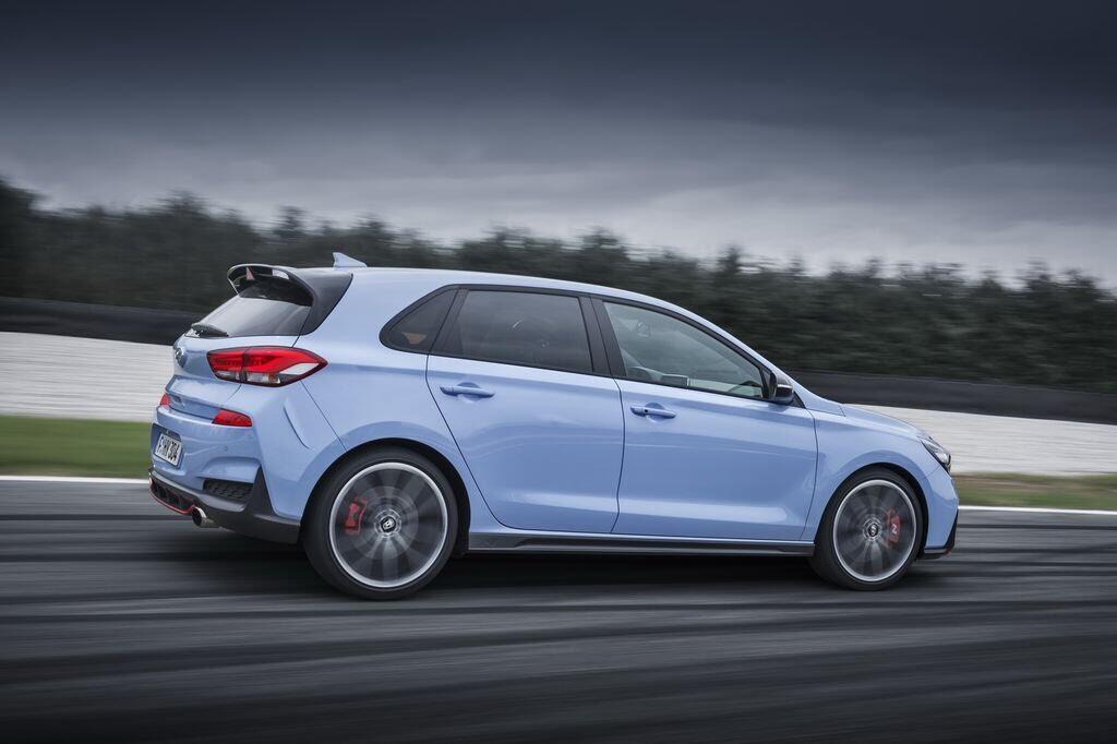 100 chiếc Hyundai i30 N First Edition hết hàng chỉ trong hai ngày - Hình 1