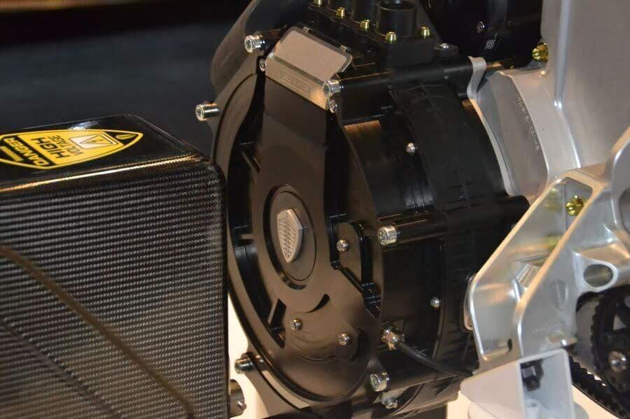 2 chiếc Koenigsegg Regera 1.500 mã lực đầu tiên đã sẵn sàng đến tay chủ nhân - Hình 6