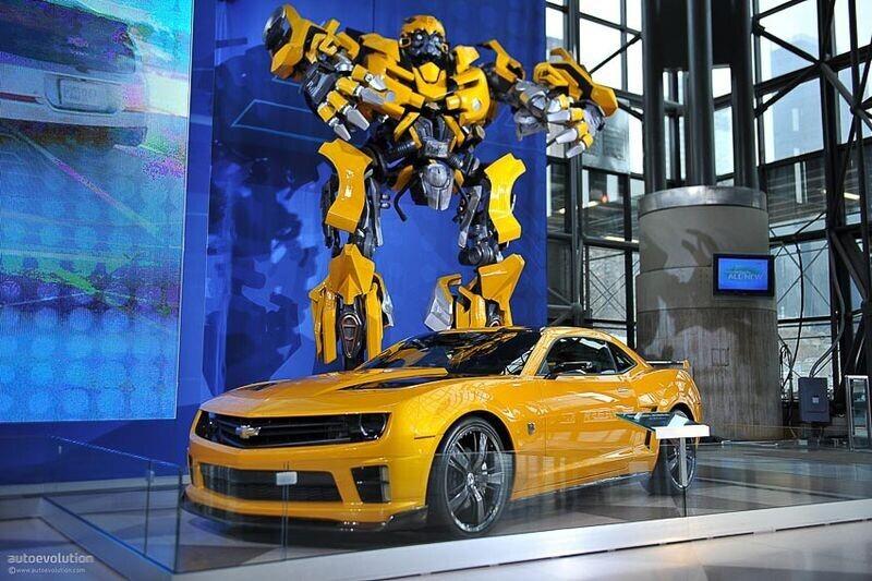 4 chiếc Chevrolet Camaro trong series Transformers được đem đấu giá từ thiện - Hình 1
