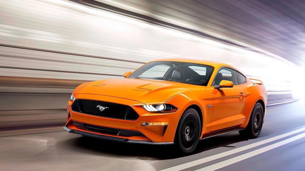8 chiếc coupe thể thao giá tương đương Toyota Camry - Hình 6