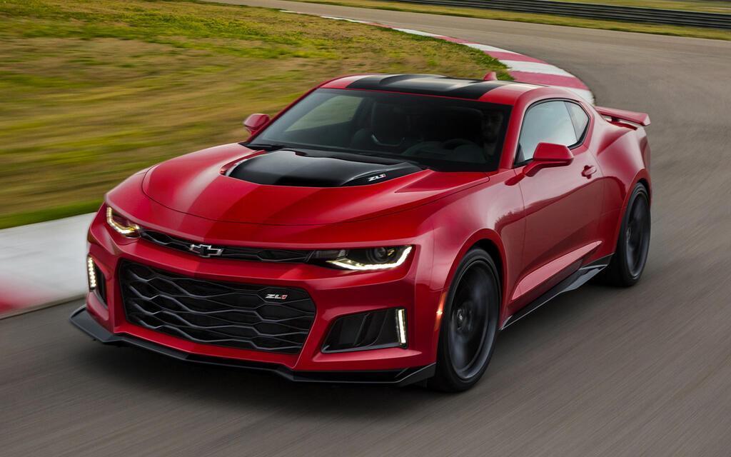 8 chiếc coupe thể thao giá tương đương Toyota Camry - Hình 7