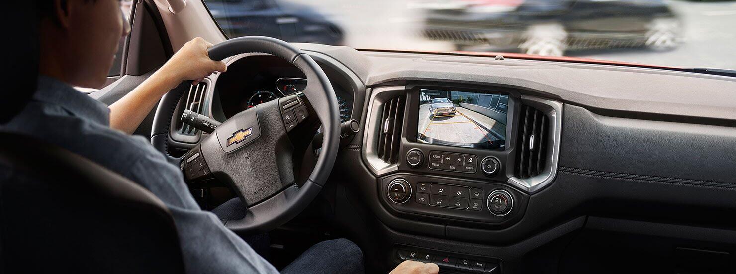 Chevrolet Colorado mới được trang bị hàng loạt các tính năng an toàn chủ động và thụ động tiên tiến bảo vệ bạn và người đồng hành.