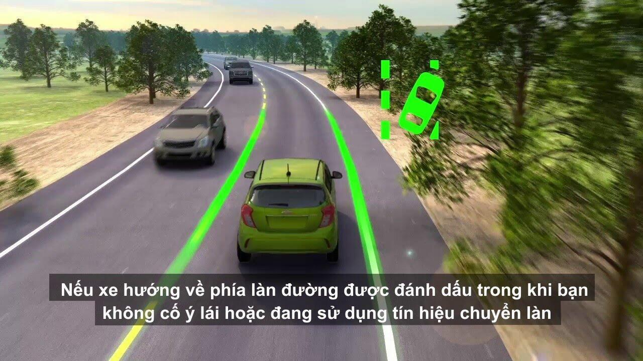 Công nghệ mới cảnh báo xe lệch làn đường