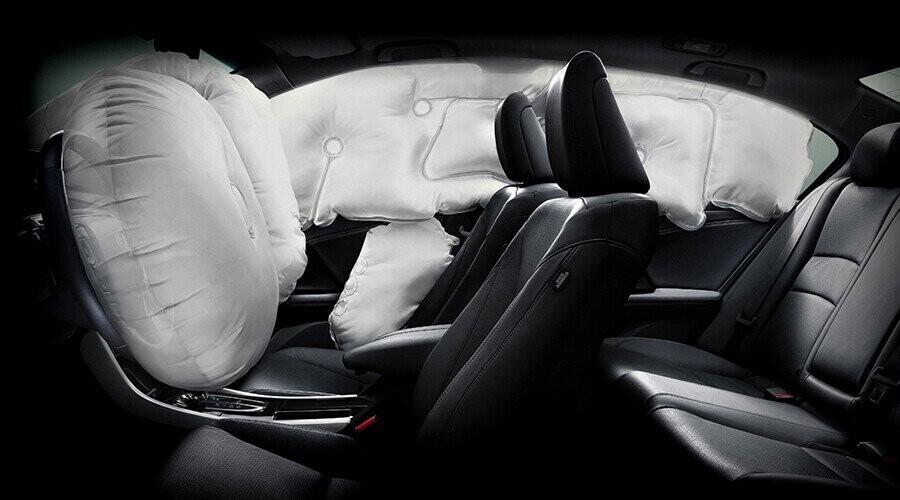 Hệ thống tiên tiến 6 túi khí an toàn người lái