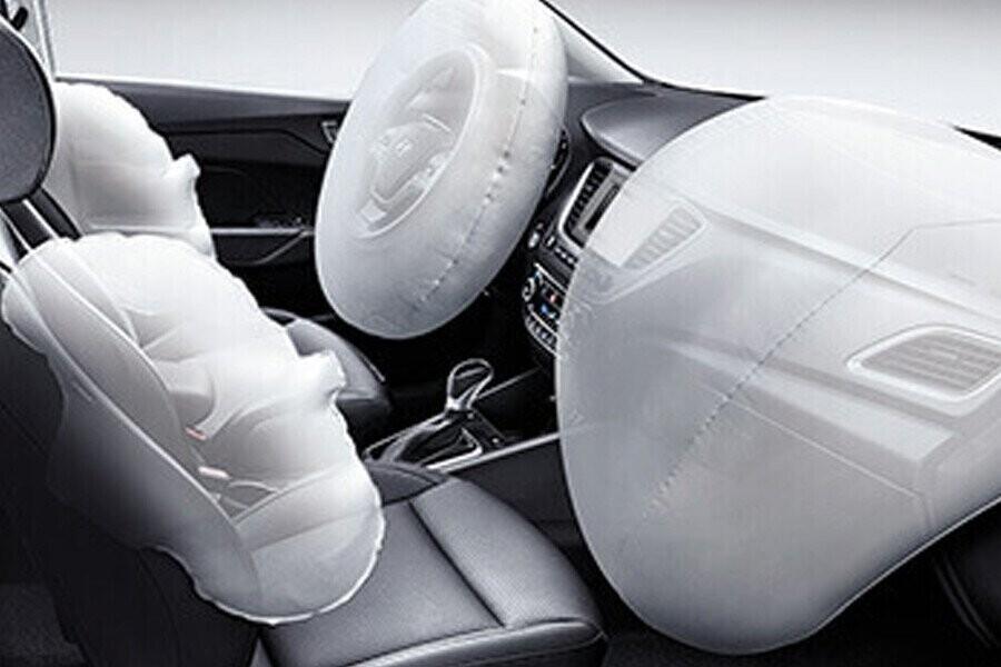 An toàn Hyundai Accent 1.4 MT tiêu chuẩn - Hình 5