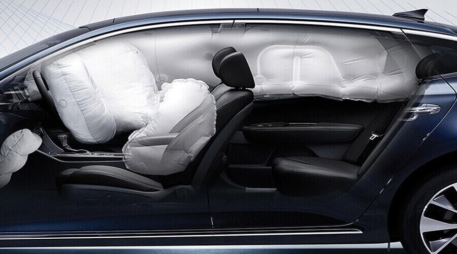 Hệ thống 6 túi khí đảm bảo an toàn người lái
