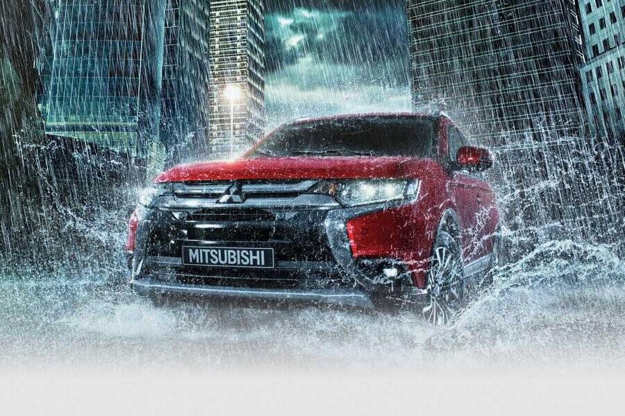 An toàn Mitsubishi Outlander CVT 2.4 Premium - Hình 1
