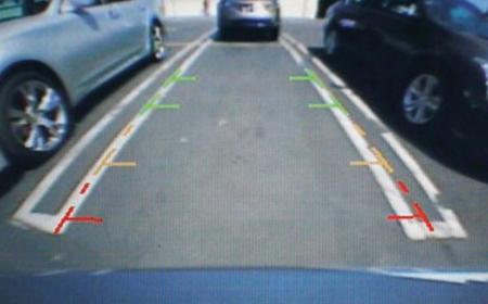 Camera lùi mang lại tầm nhìn tốt hơn giúp việc lái xe an toàn