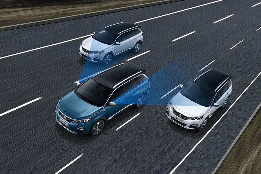 Chất lượng vượt trội của các thiết bị an toàn và hệ thống hỗ trợ người lái