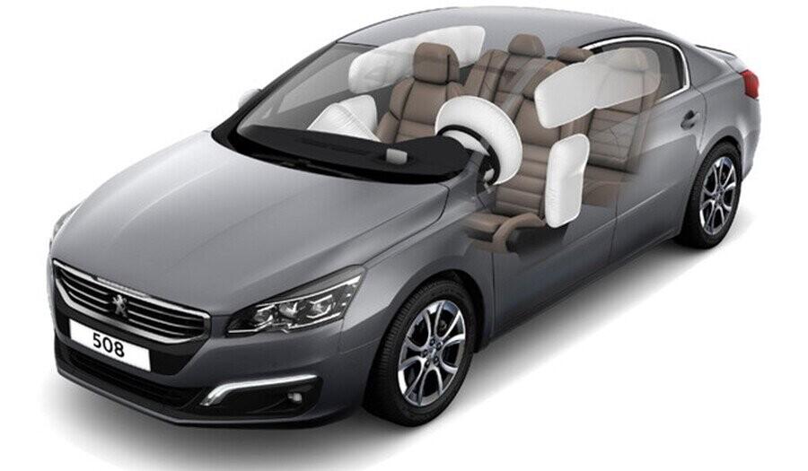 6 túi khí an toàn vượt trội cho người lái và hành khách trên xe