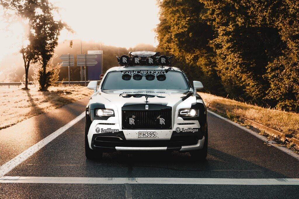 Ấn tượng với Rolls-Royce Wraith 810 mã lực độ rằn ri - Hình 6
