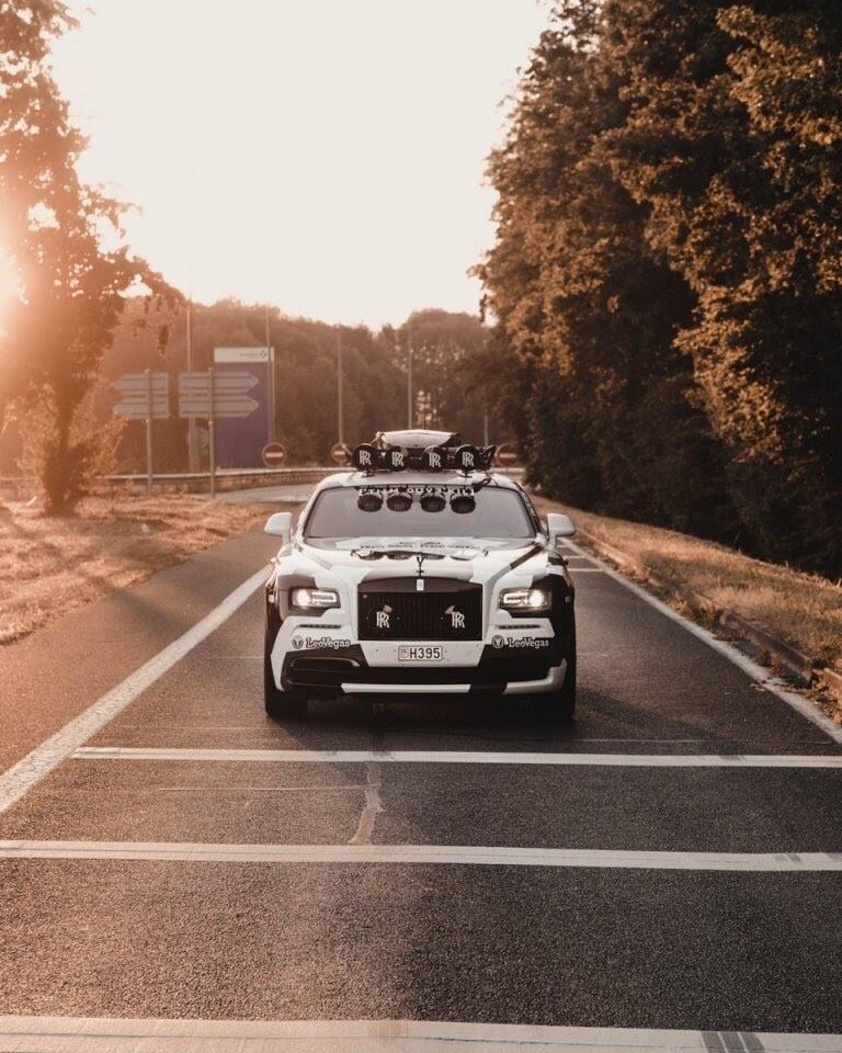 Ấn tượng với Rolls-Royce Wraith 810 mã lực độ rằn ri - Hình 17