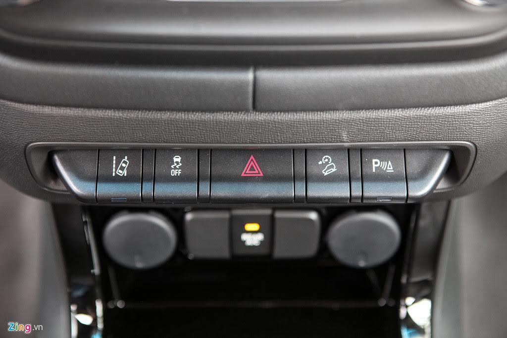 Ảnh Chevrolet Trailblazer - đối thủ mới của Toyota Fortuner - Hình 9