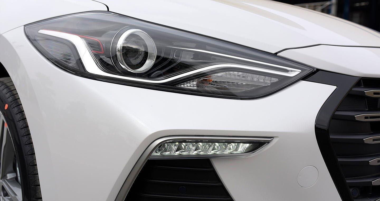 Ảnh chi tiết Hyundai Elantra Sport 2018 - Hình 7