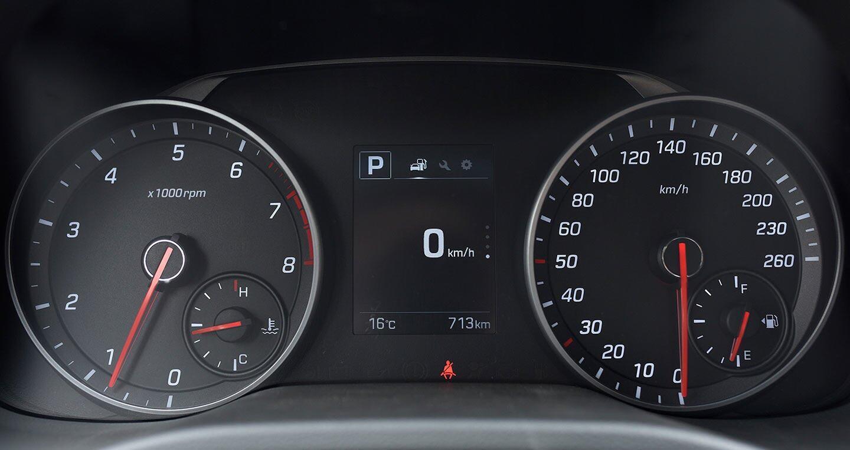 Ảnh chi tiết Hyundai Elantra Sport 2018 - Hình 12