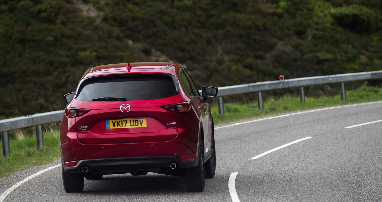 Ảnh chi tiết Mazda CX-5 2017 tại Anh quốc - Hình 2