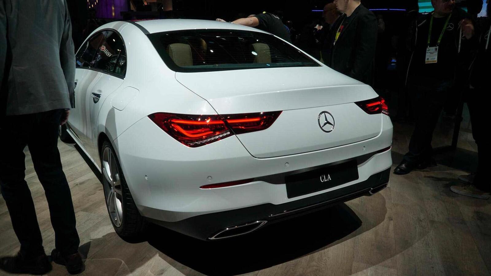 Ảnh thực tế Mercedes-Benz CLA 2020 thế hệ hoàn toàn mới tại Mỹ - Hình 11