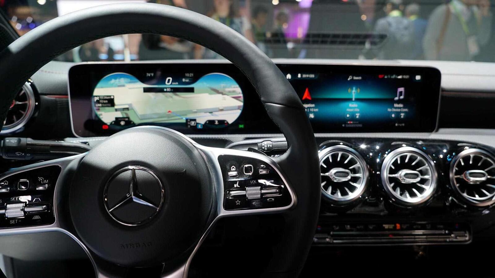 Ảnh thực tế Mercedes-Benz CLA 2020 thế hệ hoàn toàn mới tại Mỹ - Hình 13