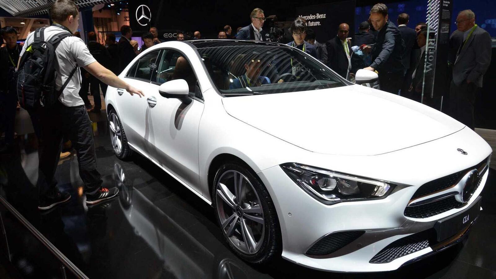 Ảnh thực tế Mercedes-Benz CLA 2020 thế hệ hoàn toàn mới tại Mỹ - Hình 4