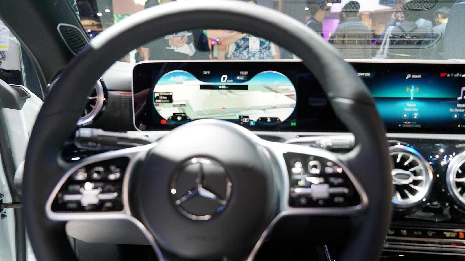 Ảnh thực tế Mercedes-Benz CLA 2020 thế hệ hoàn toàn mới tại Mỹ - Hình 15