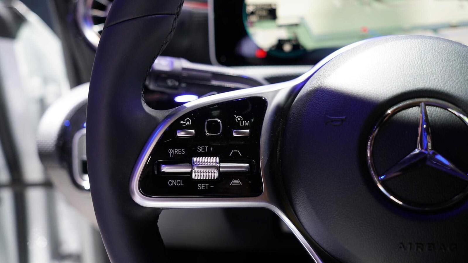 Ảnh thực tế Mercedes-Benz CLA 2020 thế hệ hoàn toàn mới tại Mỹ - Hình 16