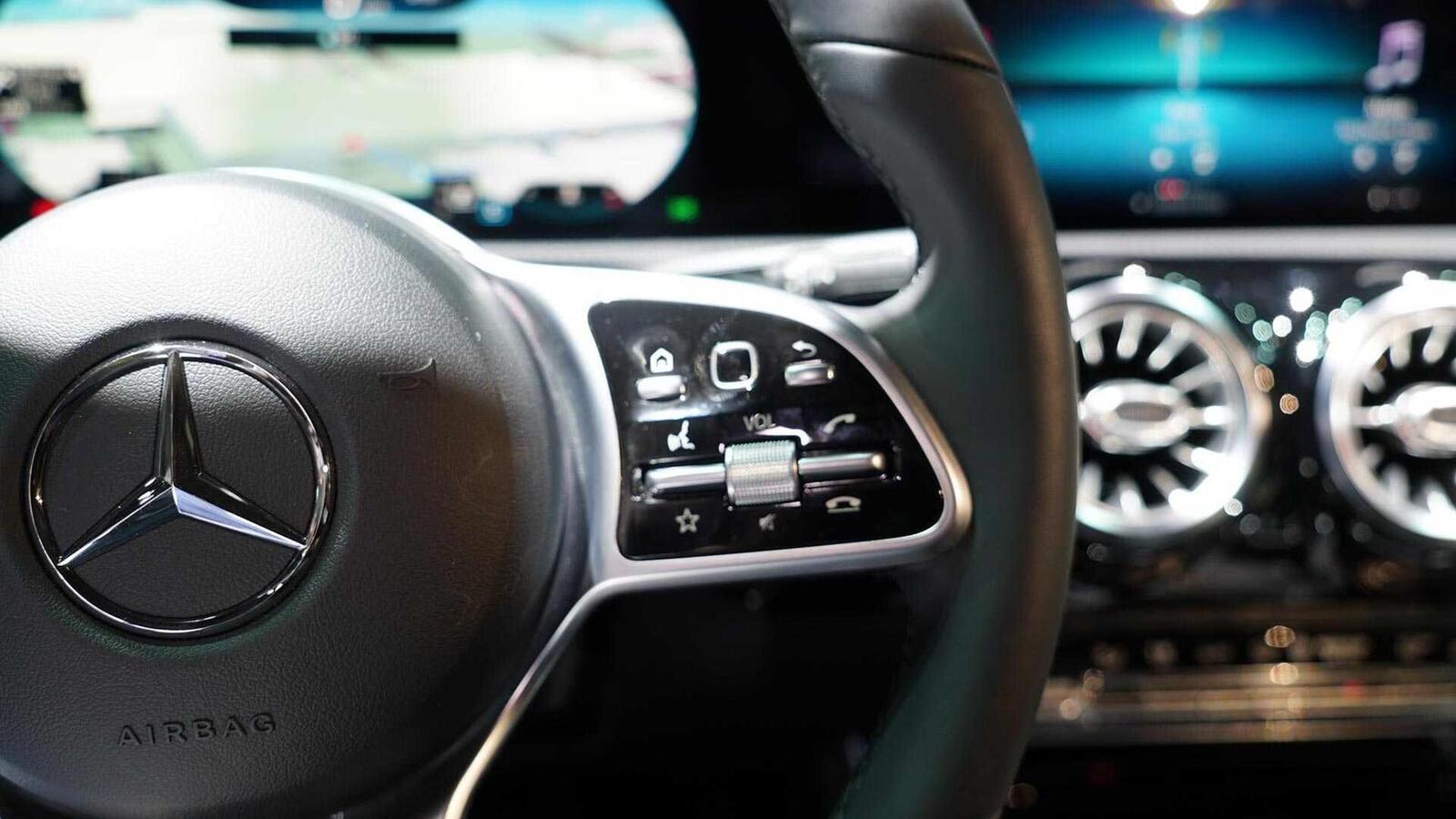 Ảnh thực tế Mercedes-Benz CLA 2020 thế hệ hoàn toàn mới tại Mỹ - Hình 17