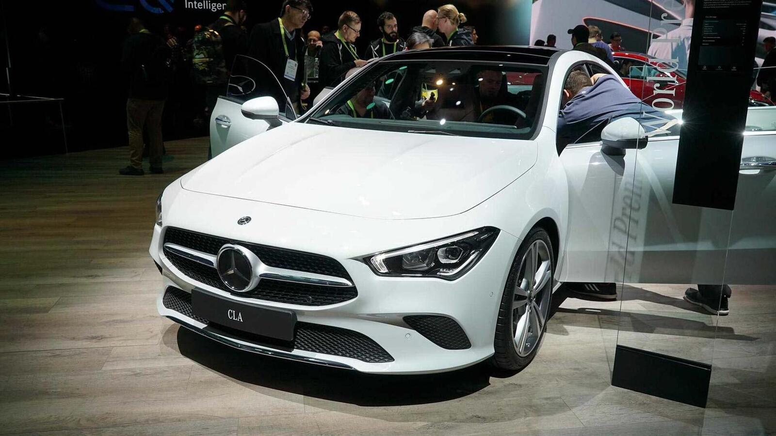 Ảnh thực tế Mercedes-Benz CLA 2020 thế hệ hoàn toàn mới tại Mỹ - Hình 2