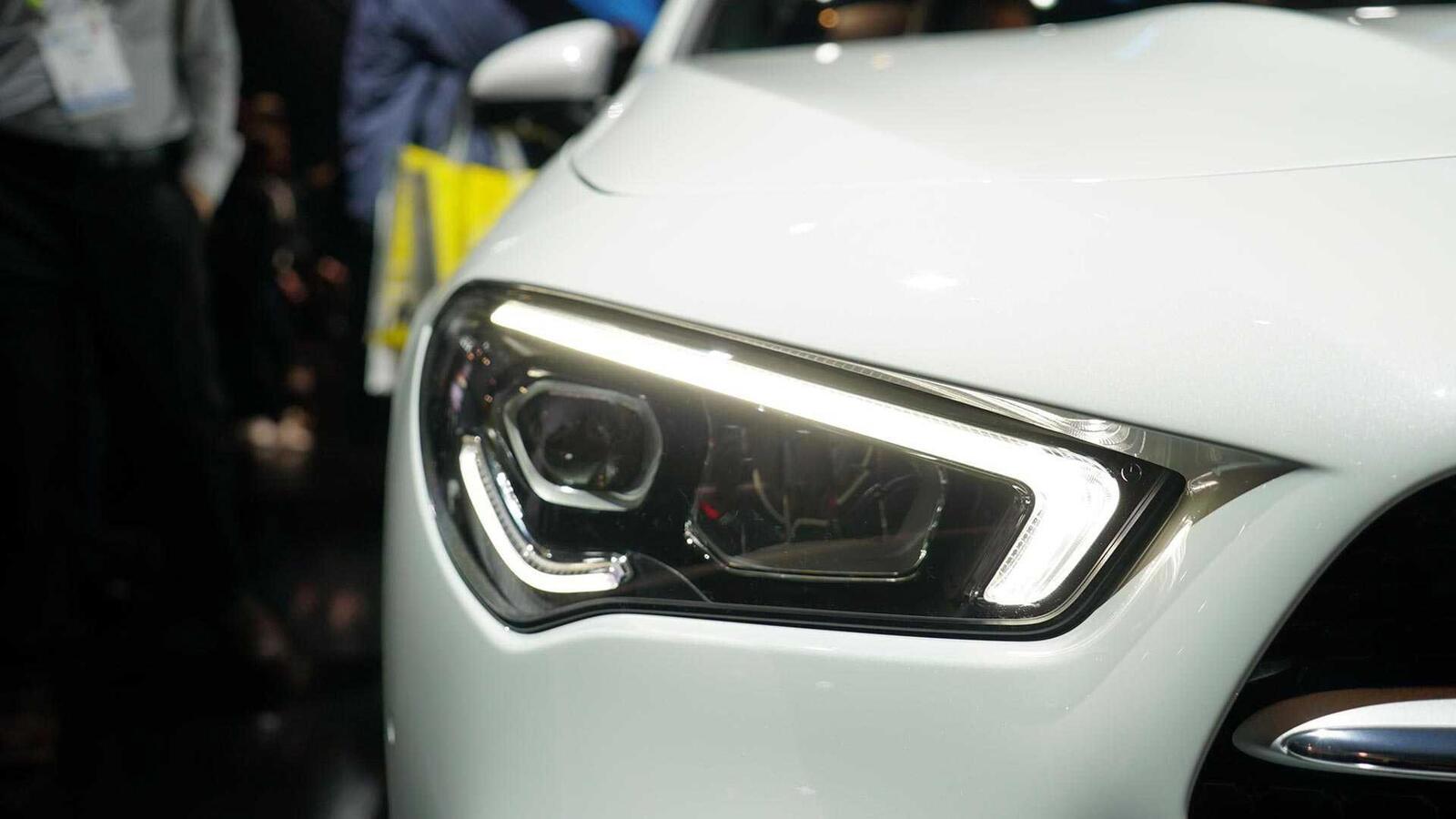 Ảnh thực tế Mercedes-Benz CLA 2020 thế hệ hoàn toàn mới tại Mỹ - Hình 8