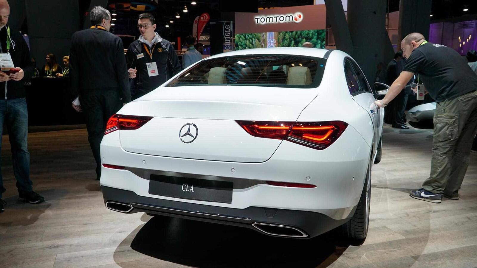 Ảnh thực tế Mercedes-Benz CLA 2020 thế hệ hoàn toàn mới tại Mỹ - Hình 10