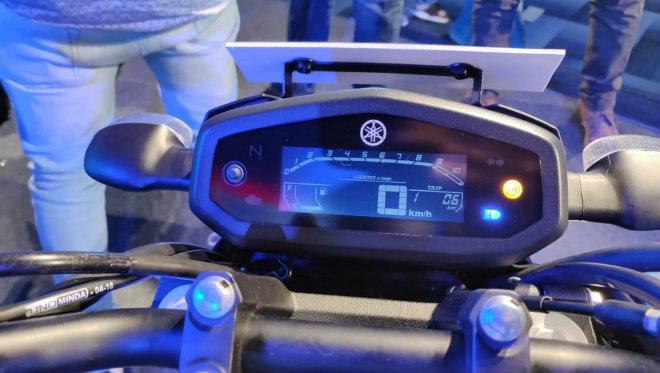 Ảnh thực tế môtô siêu rẻ Yamaha FZ V3.0 - Hình 3