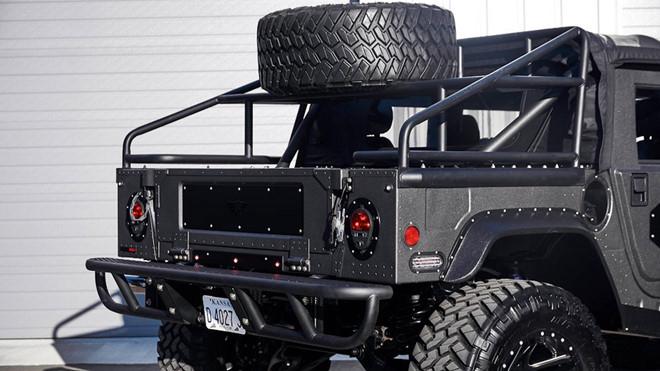 Ảnh xe quân sự Hummer H1 hầm hố và mạnh mẽ - Hình 9