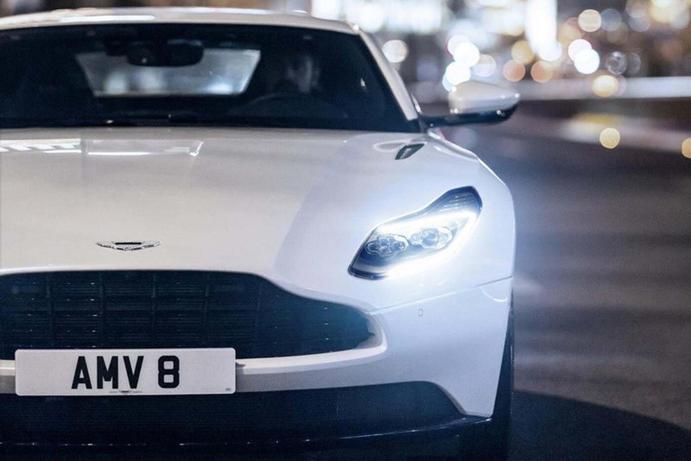 Aston Martin DB11 có thêm phiên bản động cơ tăng áp kép V8 - Hình 5