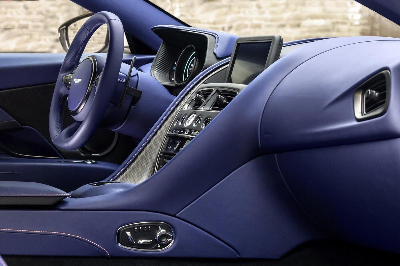Aston Martin DB11 có thêm phiên bản động cơ tăng áp kép V8 - Hình 8