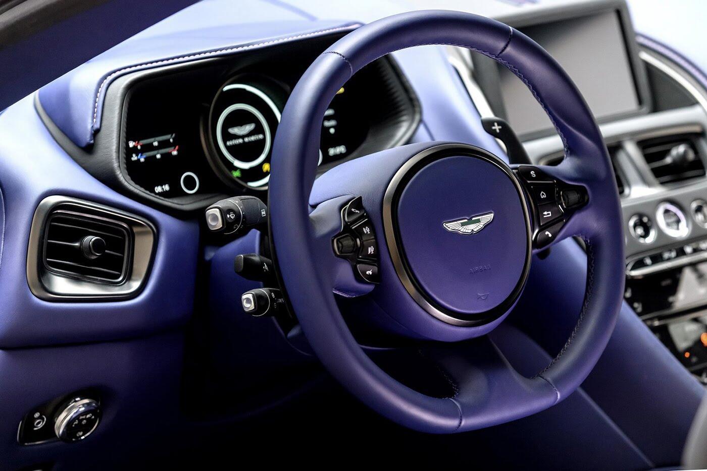 Aston Martin DB11 có thêm phiên bản động cơ tăng áp kép V8 - Hình 9