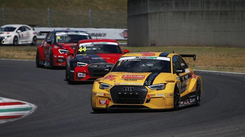 Audi gây bất ngờ với RS3 LMS thứ 100 vàng Gold - Hình 6