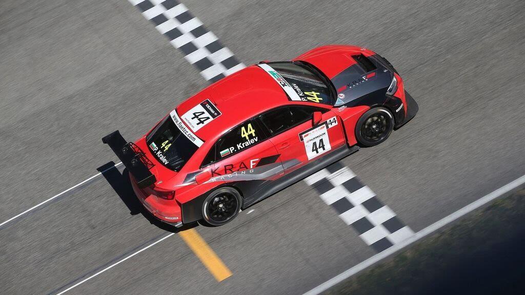 Audi gây bất ngờ với RS3 LMS thứ 100 vàng Gold - Hình 7