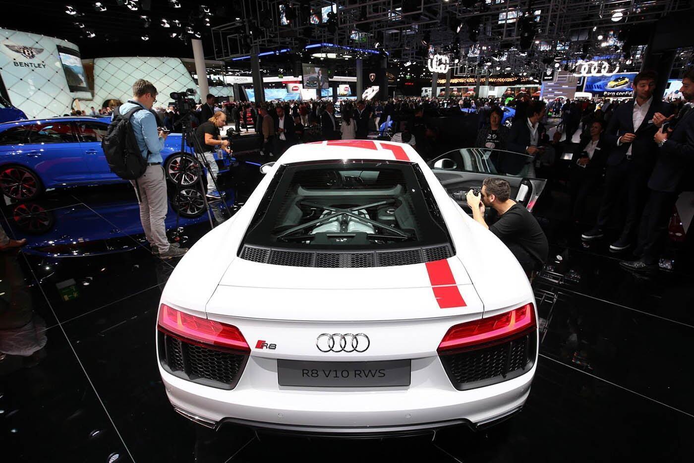 """Audi giới thiệu """"hàng hiếm"""" R8 V10 RWS - Hình 8"""