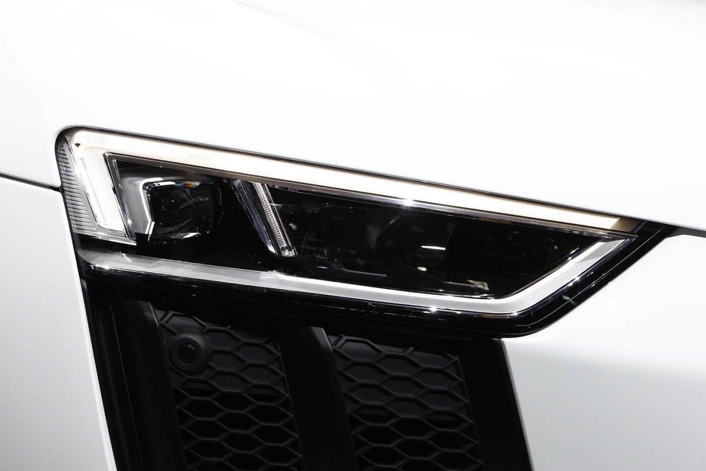 """Audi giới thiệu """"hàng hiếm"""" R8 V10 RWS - Hình 9"""