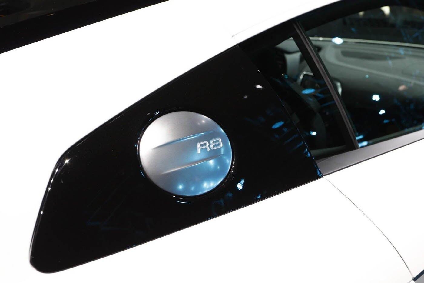 """Audi giới thiệu """"hàng hiếm"""" R8 V10 RWS - Hình 10"""