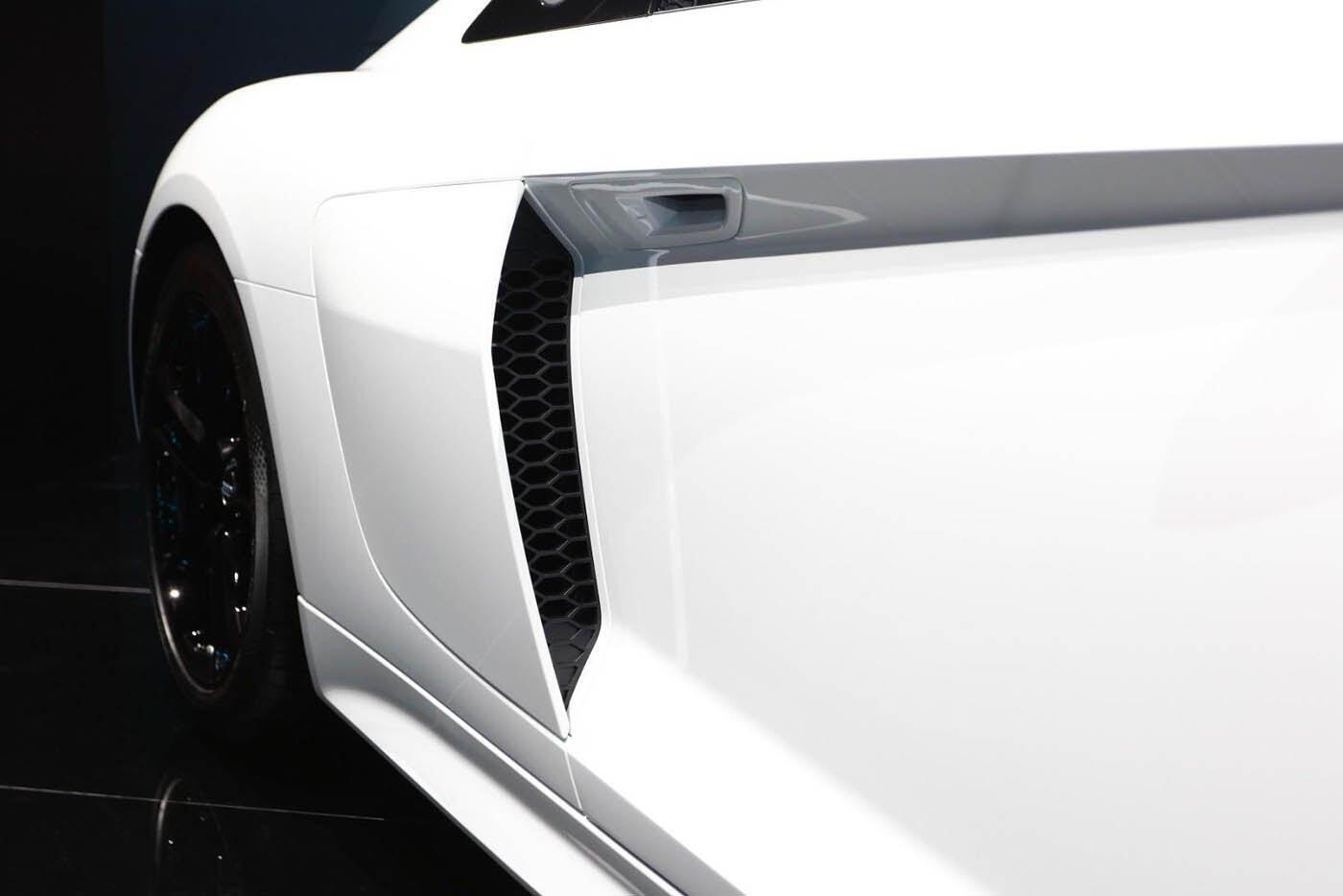 """Audi giới thiệu """"hàng hiếm"""" R8 V10 RWS - Hình 12"""