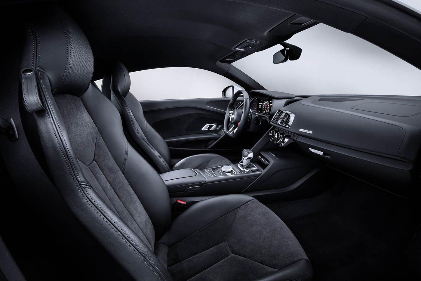 """Audi giới thiệu """"hàng hiếm"""" R8 V10 RWS - Hình 15"""