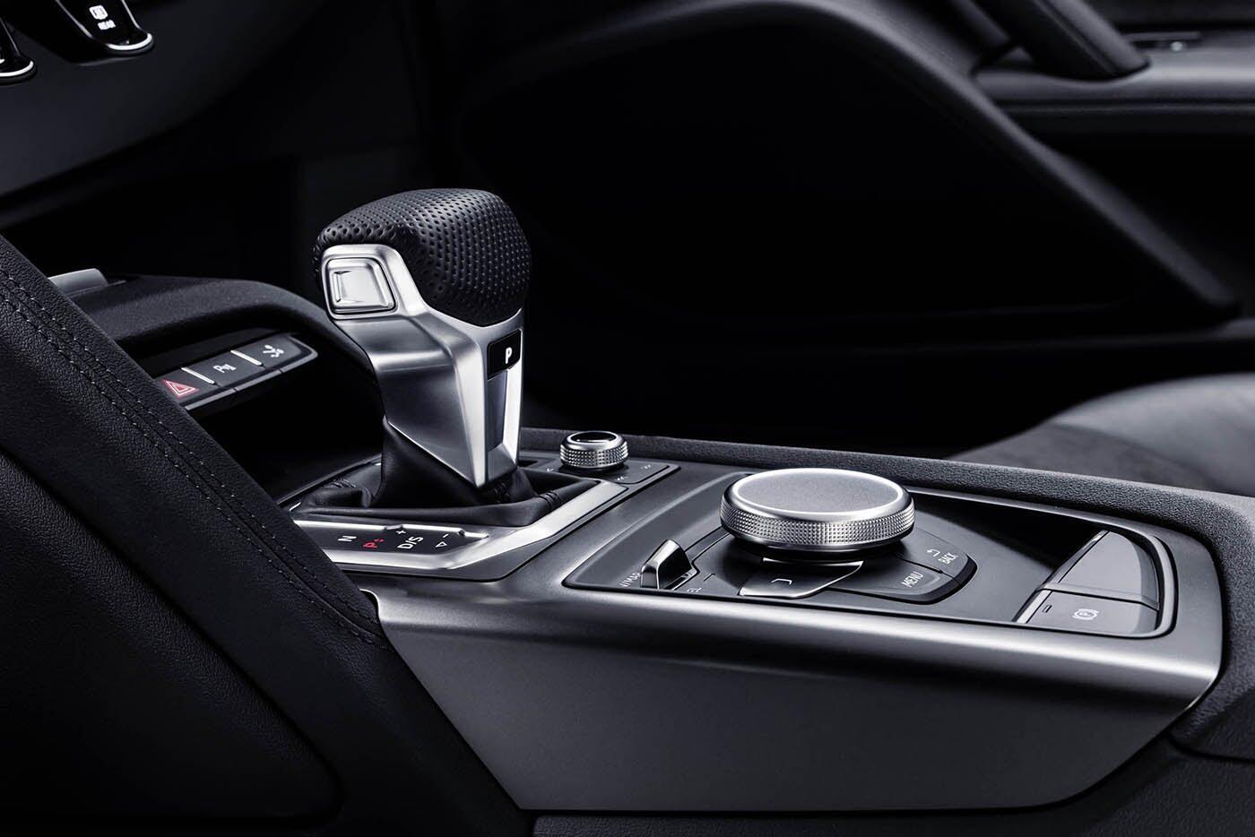 """Audi giới thiệu """"hàng hiếm"""" R8 V10 RWS - Hình 19"""