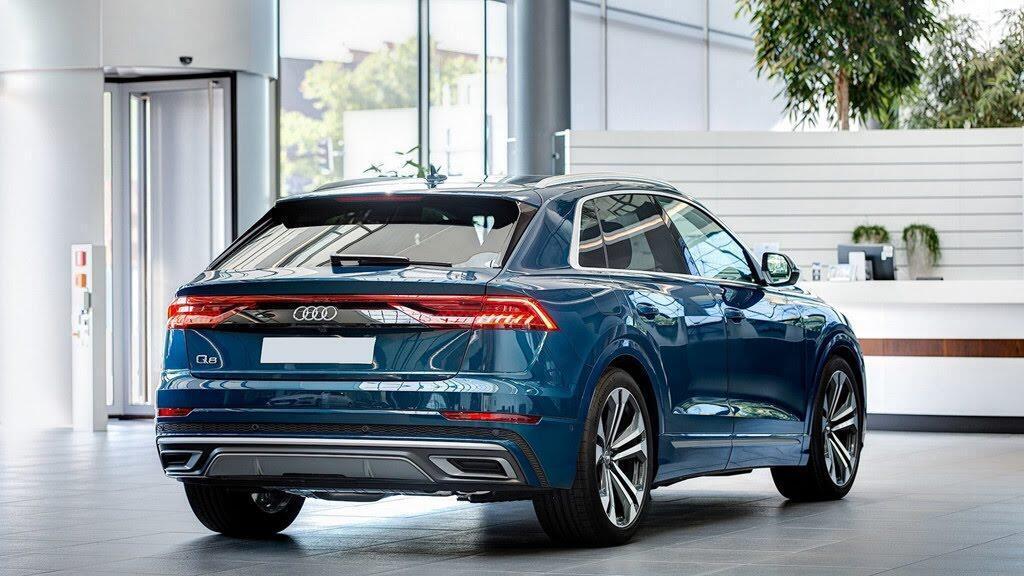 Audi Q8 tuyệt đẹp trong màu xanh ngọc bích - Hình 2