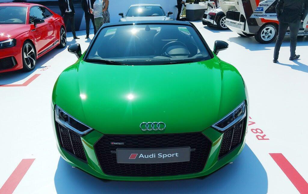 Audi R8 V10 Plus Spyder màu độc ở lễ hội siêu xe Mỹ - Hình 2