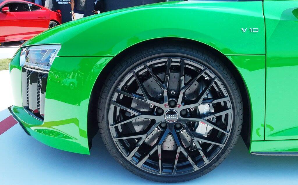 Audi R8 V10 Plus Spyder màu độc ở lễ hội siêu xe Mỹ - Hình 5