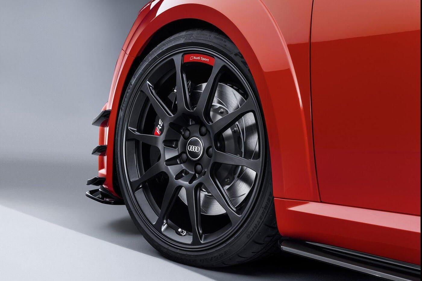 """Audi R8 và TT RS đẹp """"ngỡ ngàng"""" với trang bị thể thao - Hình 3"""