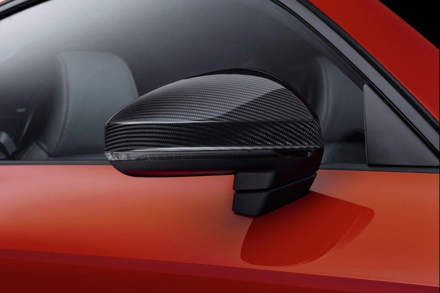 """Audi R8 và TT RS đẹp """"ngỡ ngàng"""" với trang bị thể thao - Hình 4"""