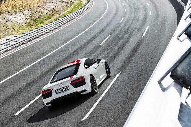 Audi ra mắt phiên bản đặc biệt R8 RWS 2018 - Hình 4