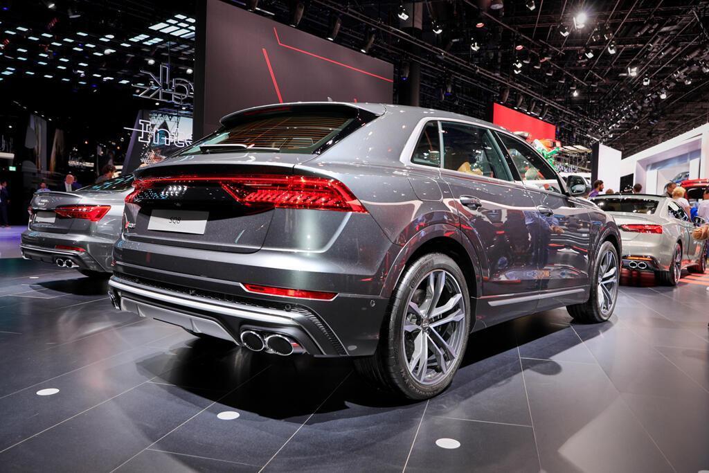 audi-sq8-2020-cuc-manh-voi-dong-co-diesel-v8-bat-chap-be-boi-khi-thai-2.jpg